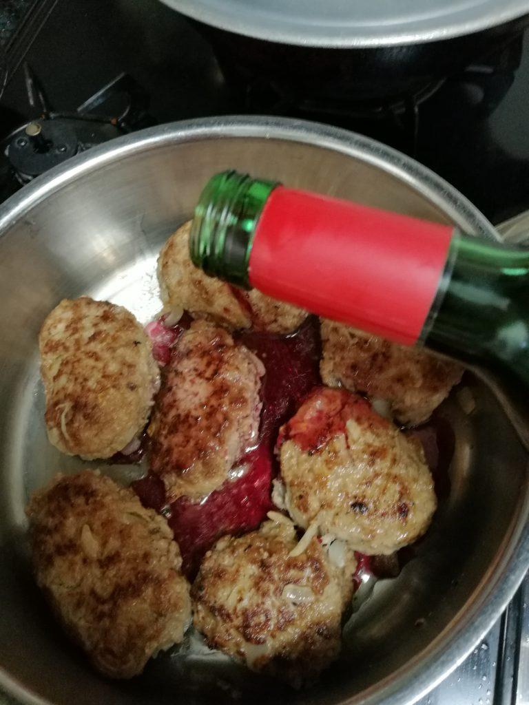 煮込みハンバーグ赤ワインたっぷり@森下美津子さんレシピ https://www.kurashijouzu.jp/2015/02/recipe-420/